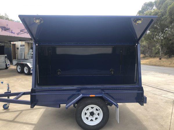 tradesman-canopy-single-axle-6x4-enclosed-trailer-1